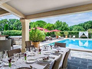 9 bedroom Villa with Trampoline in Saint-Remy-de-Provence - Saint-Remy-de-Provence vacation rentals