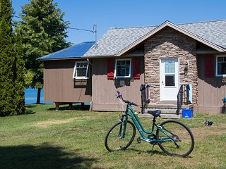 Chardonnay Guest Cottage - Saint Catharines vacation rentals