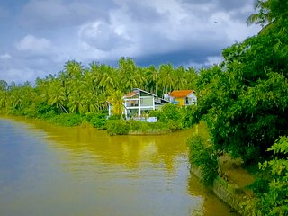 Deluxe Villa with Infinity-Edge Plunge Pool - Negombo vacation rentals