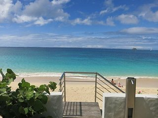 """A beachfront unit for """"Just the Two of you"""" - Grand Case vacation rentals"""