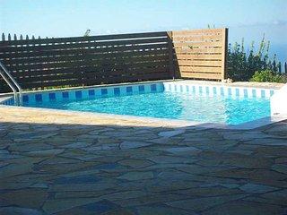 Cozy 3 bedroom Agios Nikolaos Villa with Satellite Or Cable TV - Agios Nikolaos vacation rentals