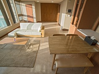 Luxurious and Huge 2-bedroom Apartment - Seoul vacation rentals