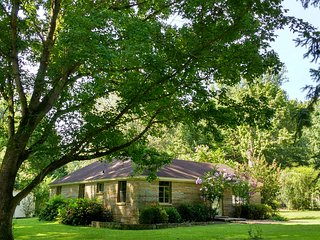 Country Quiet Near Downtown Memphis - Memphis vacation rentals