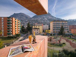 Charming 2 bedroom Lugano Apartment with Internet Access - Lugano vacation rentals