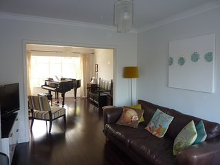 Luxury, Stylish, 4 Bedroom House in Dublin - Dublin vacation rentals