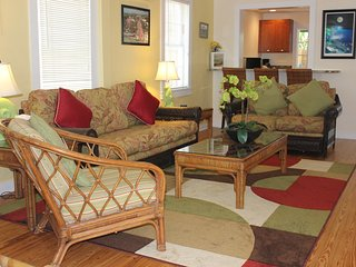 Sailor House-2BD/1.5B w/ Hot Tub steps off Duval! - Key West vacation rentals