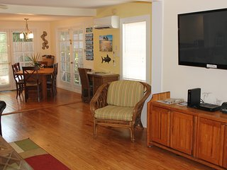 Sailor House--Newly Renovated 2BD/1.5B steps off Duval St. - Key West vacation rentals