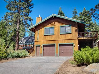 Cozy home w/ lake views from deck - walking distance to beach! - Tahoe Vista vacation rentals