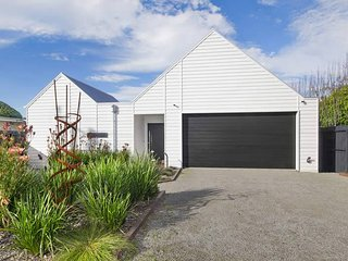 Cozy 3 bedroom Barwon Heads House with Internet Access - Barwon Heads vacation rentals
