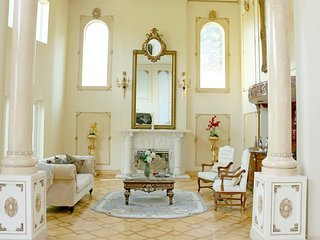 #61 Sunny Bev Hills Villa W/ Pool - Beverly Hills vacation rentals