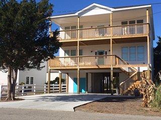 NEW LUXURY OCEAN VIEW, ELEVATOR, 100yrds TO OCEAN - North Myrtle Beach vacation rentals