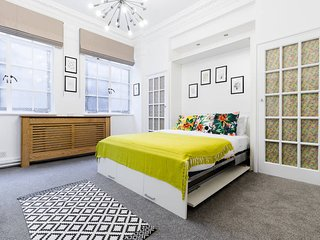 Cute Studio in Central London, Serviced by Hostmaker - London vacation rentals