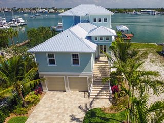 Harbour Breeze offers Breathtaking Bay Views close to everything in the Pier area - Code: Harbour Breeze - Fort Myers Beach vacation rentals