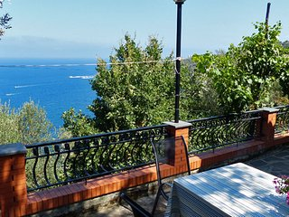 CASA PARTENOPE S. Montano/Massa L. - Sorrento area - Massa Lubrense vacation rentals