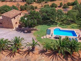 Tranquila finca con piscina en Es Llombards - Es Llombards vacation rentals