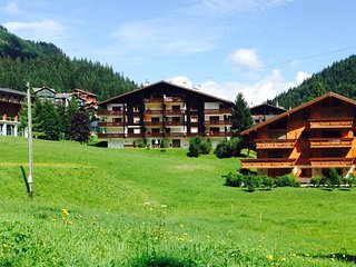 2 bedroom Condo with Internet Access in Morgins - Morgins vacation rentals