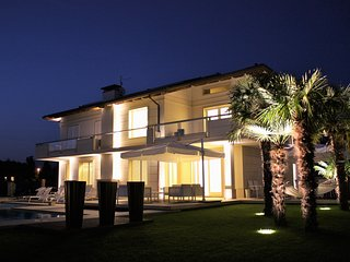 Villa Diamante near beach clubs in Forte dei Marmi - Forte Dei Marmi vacation rentals