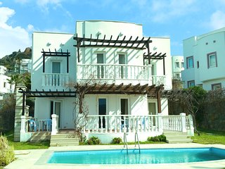SPACIOUS VILLA OWN POOL ON SITE WITH AQUA PARK - Yalikavak vacation rentals