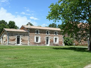 Nice Gite with Internet Access and Satellite Or Cable TV - Eygurande-et-Gardedeuil vacation rentals