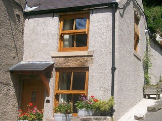 1 Rock View, Millers Dale, Tideswell, Derbyshire - Millers Dale vacation rentals