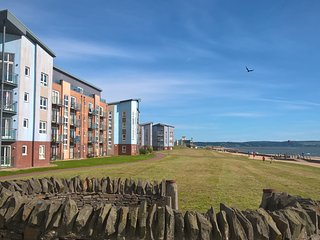 Lovely Condo with Internet Access and Television - Llanelli vacation rentals