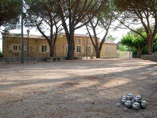 La Maison du Boulodrome - Proche Uzes + Piscine - La Bruguiere vacation rentals