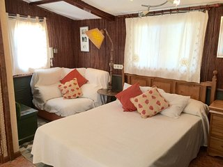 Comfortable 1 bedroom Cottage in Colmenar Viejo with Television - Colmenar Viejo vacation rentals