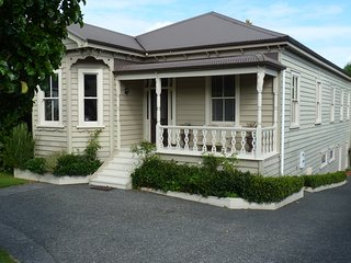 Comfortable Condo with Internet Access and Wireless Internet - Remuera vacation rentals