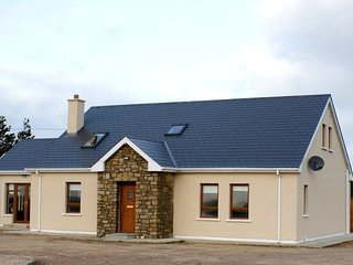Bright 4 bedroom House in Letterkenny - Letterkenny vacation rentals