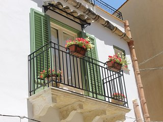 2 bedroom Bed and Breakfast with Internet Access in Sambuca di Sicilia - Sambuca di Sicilia vacation rentals