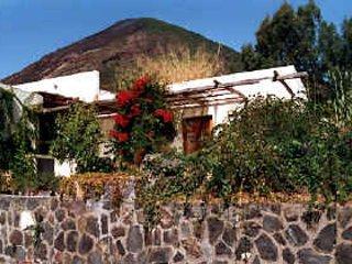 Graziosa per una coppia in vacanza a Salina - Leni vacation rentals