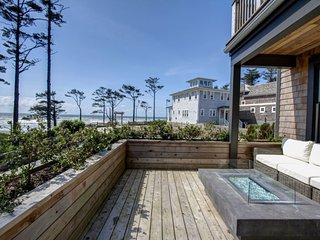 Bella Vita with carriage house - Oceanfront - Pacific Beach vacation rentals