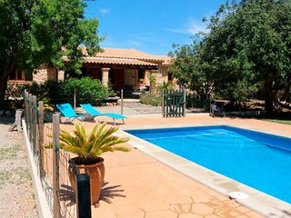 Villa with private pool and garden - Llubi vacation rentals