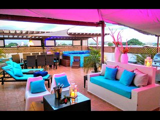 6BR tropical ambiance VIP Penthouse & jacuzzi - Santo Domingo vacation rentals