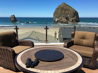 Gorgeous Views of the Beach from Every Room - Cannon Beach vacation rentals