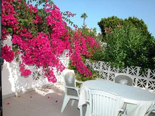 Stylish apart. pool, walk to beach, rests, bars - La Cala de Mijas vacation rentals