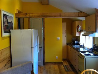 2 bedroom Cottage with Internet Access in Orillia - Orillia vacation rentals