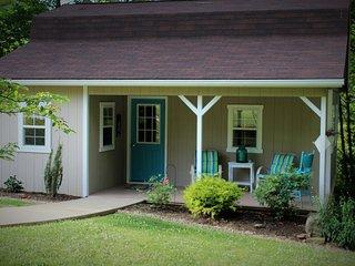 Romantic Cottage in Amish Country - Sugarcreek vacation rentals