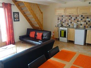 Two Bedroom Apartment - sleeps 4 - Villeneuve les Beziers vacation rentals