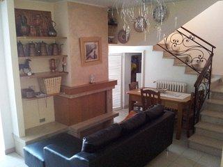 Cozy 2 bedroom Guardiagrele House with Central Heating - Guardiagrele vacation rentals