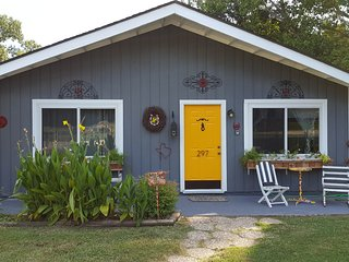 Lay with Stars, Catch fish, Swim in the Lake, pool - Livingston vacation rentals