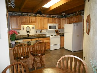 ECONOMY PERFECT FOR FAMILY WINTER/SUMMER VACATIONS - Silverthorne vacation rentals