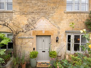 Perfect Cottage with Internet Access and Satellite Or Cable TV - Bourton-on-the-Hill vacation rentals