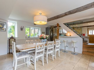 Sleeps 8, Horseshoe Cottage, Cotswolds - Bourton-on-the-Hill vacation rentals