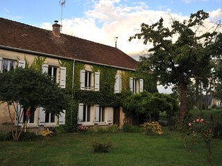 Bright 6 bedroom House in Sancerre with Television - Sancerre vacation rentals