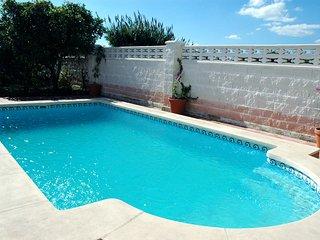 2 bed apartment with pool - 150 metes walk beach - Grau de Gandia vacation rentals