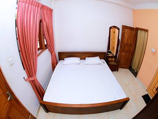 Shaminda Residence Double AC Room - Nugegoda vacation rentals