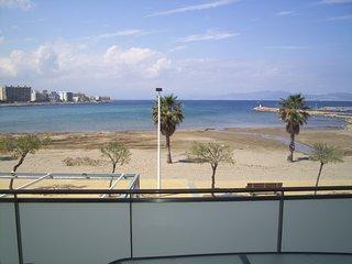 Lovely Sea Front Apartment In L'Escala - VOROMAR - L'Escala vacation rentals