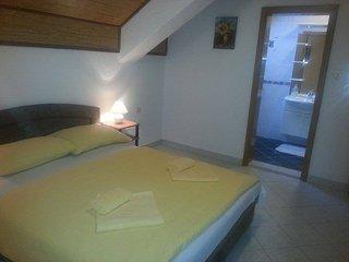 Nice 3 bedroom Bed and Breakfast in Rakovica with Internet Access - Rakovica vacation rentals