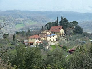 Casa indipendente in piccolo borgo di 4 fabbricati - Figline Valdarno vacation rentals